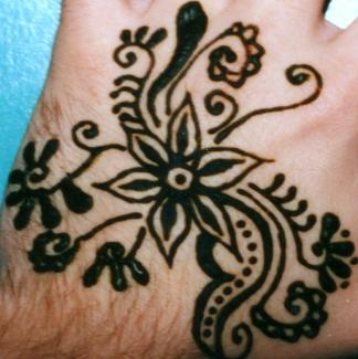 Traditional Henna Flower Before